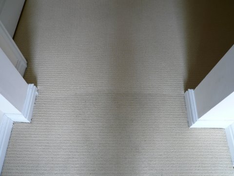 Before & after carpet cleaning from Deep Clean, Leighton Buzzard, Aylesbury & Milton Keynes